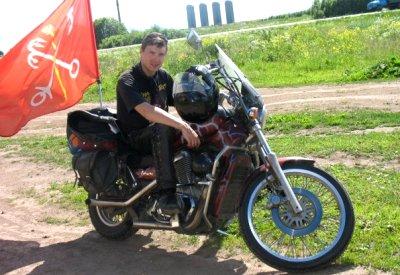 Dmitry Elektronik and Suzuki Intruder 400